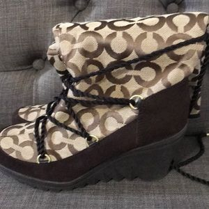 Coach wedge snow boots